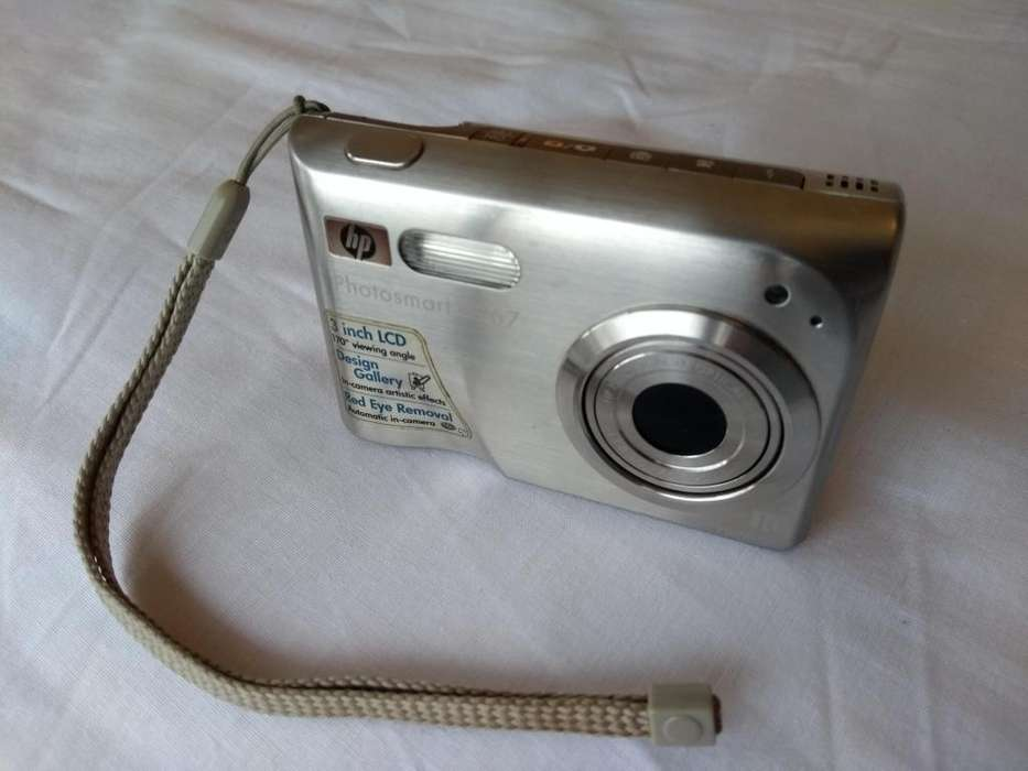 Cámara Digital <strong>hp</strong> Photosmart R967 10MP Zoom Opt 3x y Dig 10x