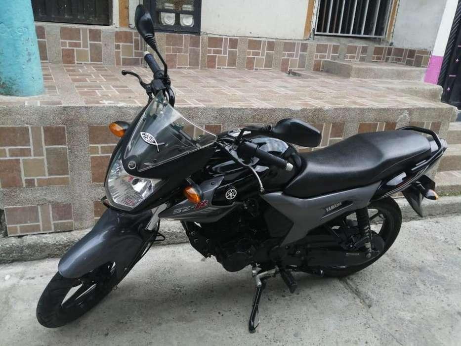 Se Vende Moto <strong>yamaha</strong> Sz16r Modelo 2016