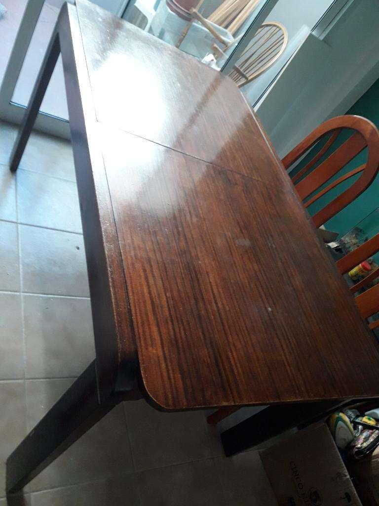 Vendo Mesa de Comedor 1.48x0.83 Cm