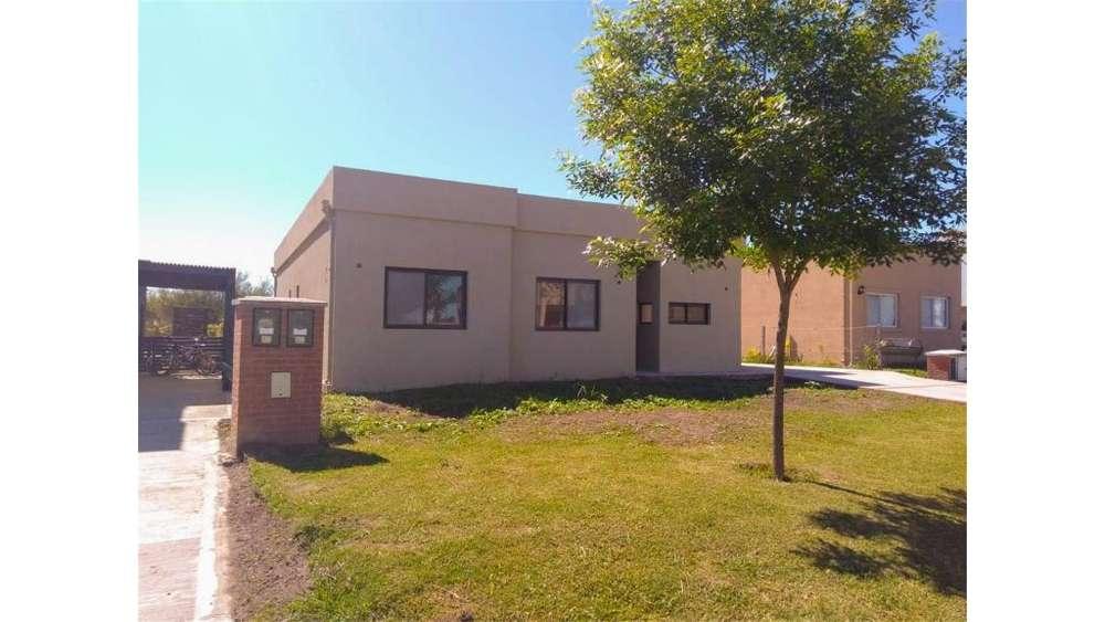 Barrio San Alfonso, Pilar Del Este, Pilar Lote / N 0 - UD 147.000 - Casa en Venta
