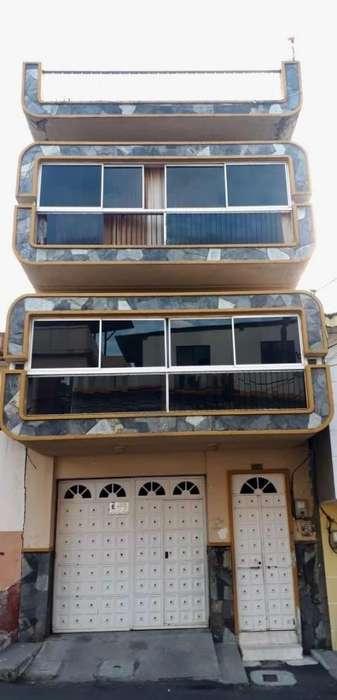 Se Vende Casa con Piscina en Esmeraldas Sector Las Palmas