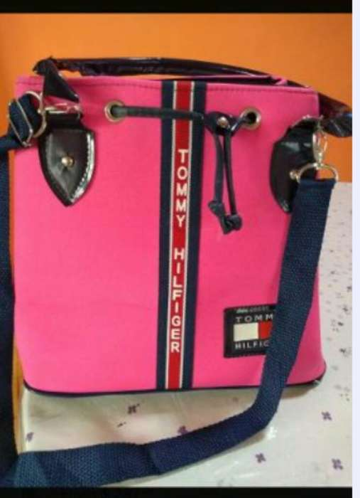 <strong>bolso</strong> Cartera Tommy Hilfiger