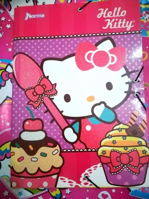 Folder hello kitty