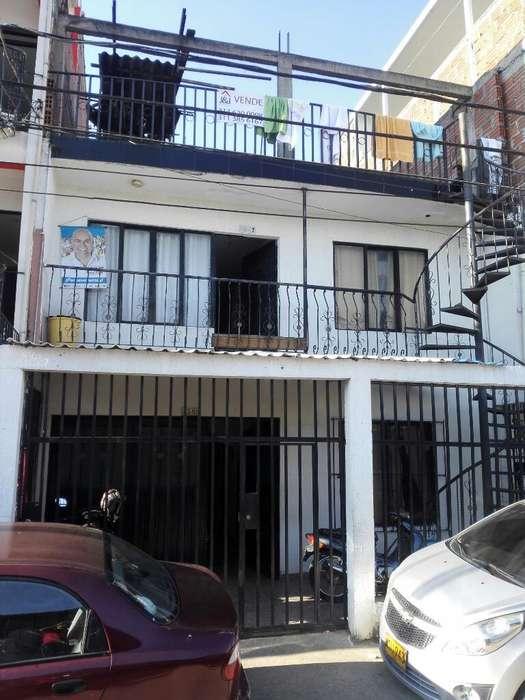 Vendo Casa en La Fortaleza 4 Aptos Remod