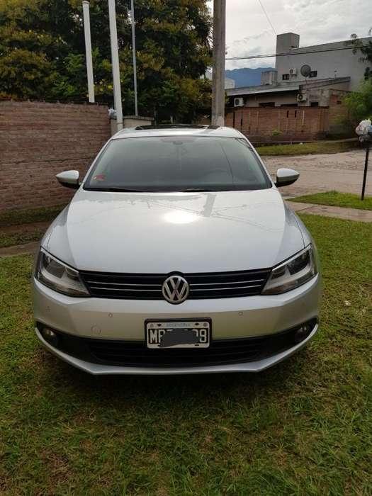 Volkswagen Vento 2013 - 77000 km