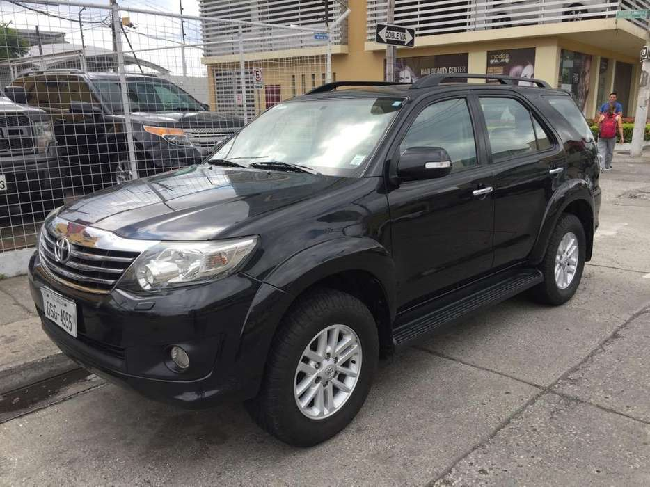 <strong>toyota</strong> Fortuner 2013 - 130000 km