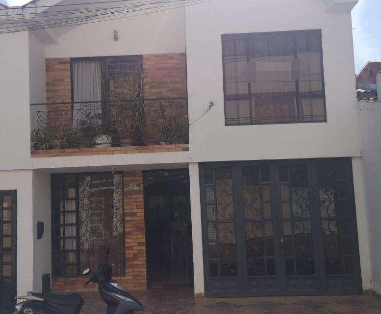 Acogedora Casa de 2 Plantas en la Pampa - wasi_1354980