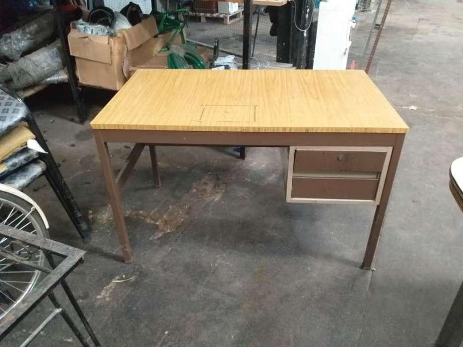<strong>escritorio</strong> 1.2mtx0m70mt