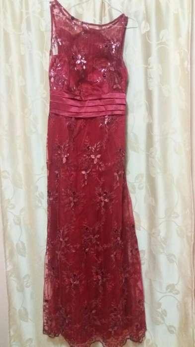 Vestido de Fiesta Rojo Bordado Talle M