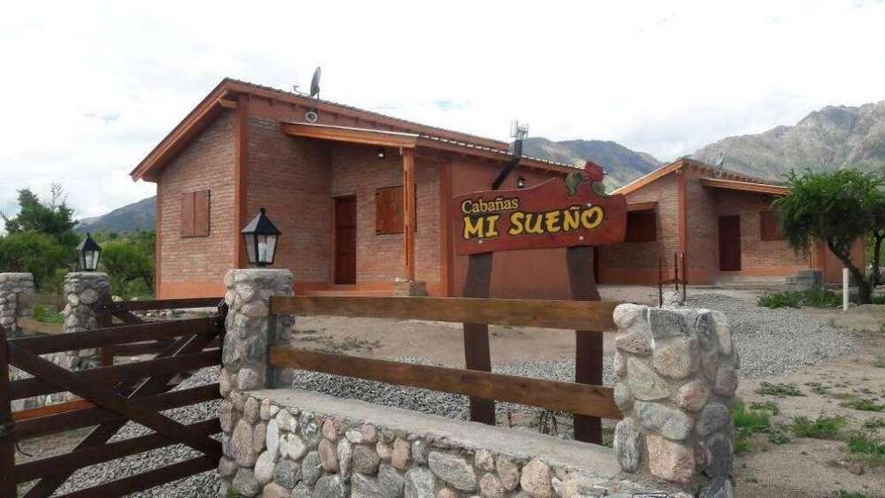 at54 - Cabaña para 2 a 4 personas con pileta y cochera en Cortaderas