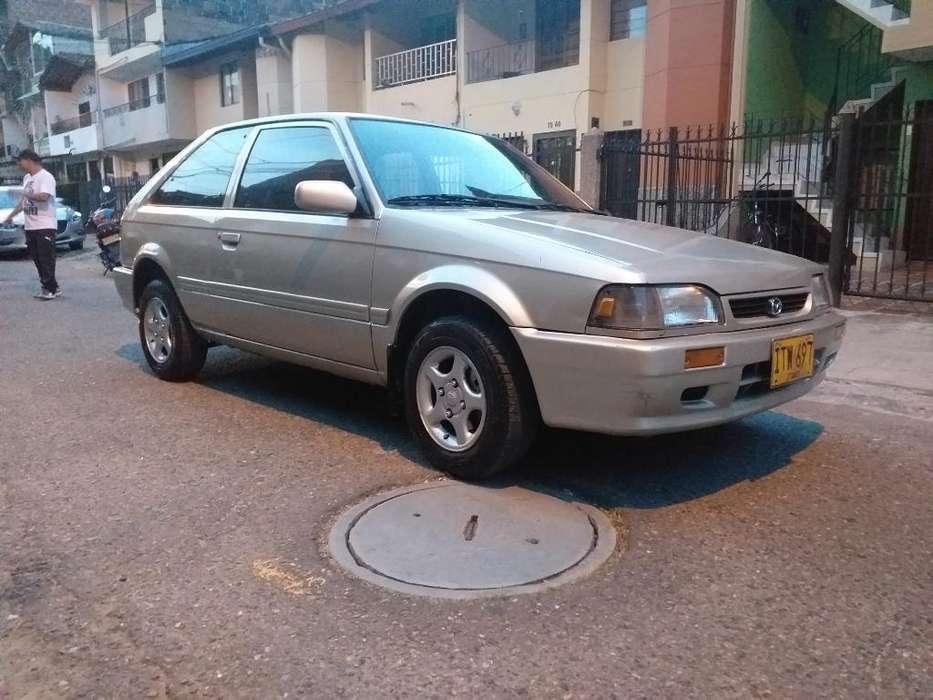 Mazda 323 1999 - 107500 km