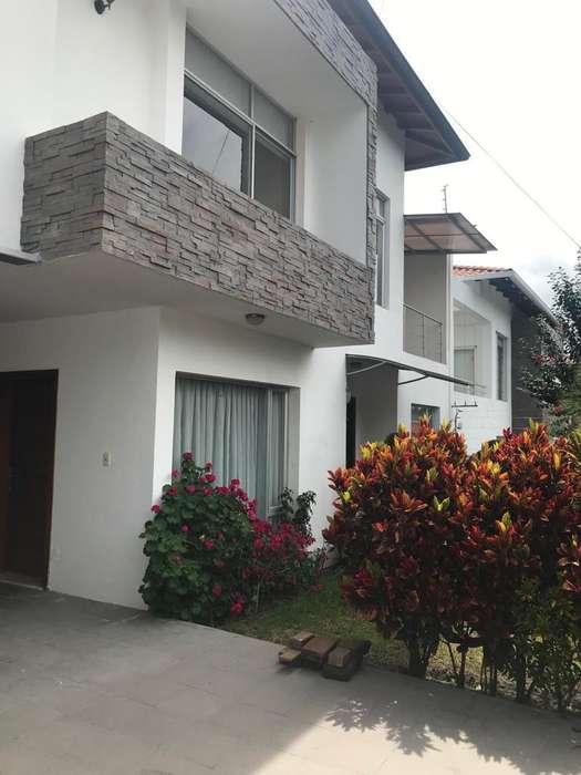 Casa en Renta 4 habitaciones amoblada en Quito Pichincha