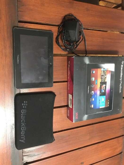 Vendo Tablet Blackberry,Completa!!