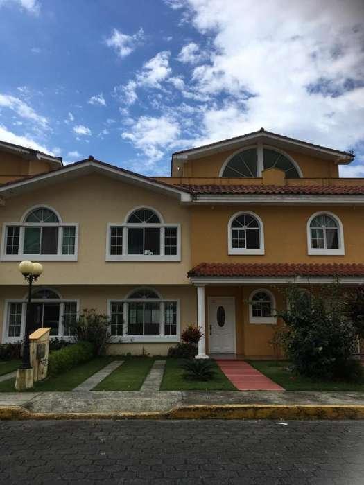 SANTO DOMINGO: EN CONJUNTO PRIVADO ARRIENDO <strong>casa</strong> DE 4 HABITACIONES EN 3 PISOS