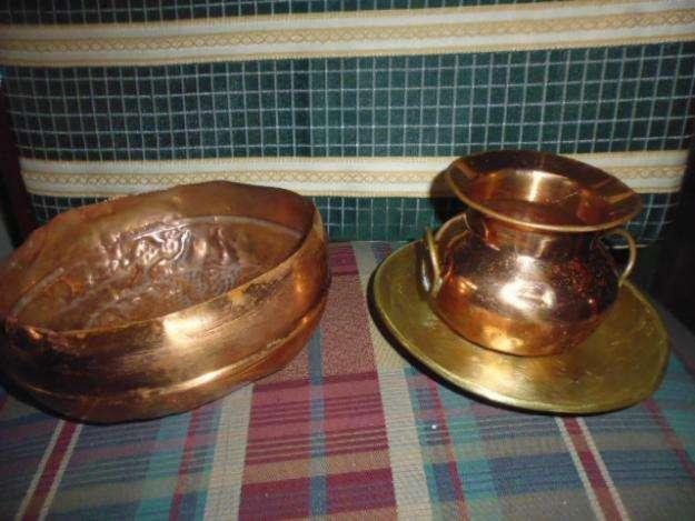 Jarron plato y frutera en cobre son de tamaño pequeño