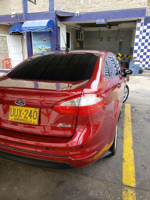 <strong>ford</strong> Fiesta  2015 - 52000 km