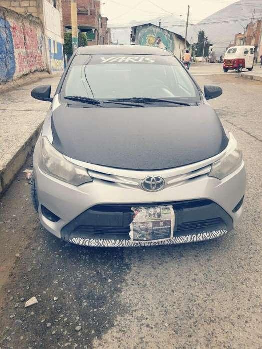 Toyota Yaris 2014 - 10000 km