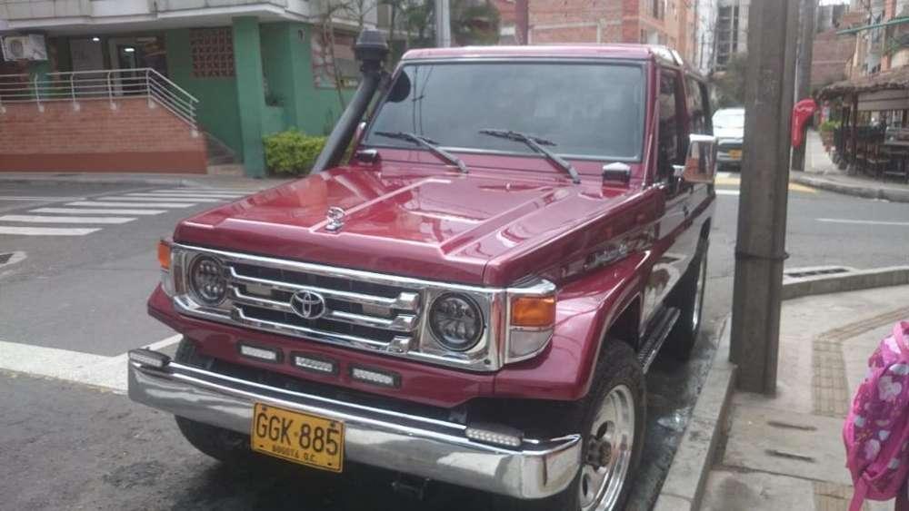 <strong>toyota</strong> Land Cruiser 1998 - 11300 km