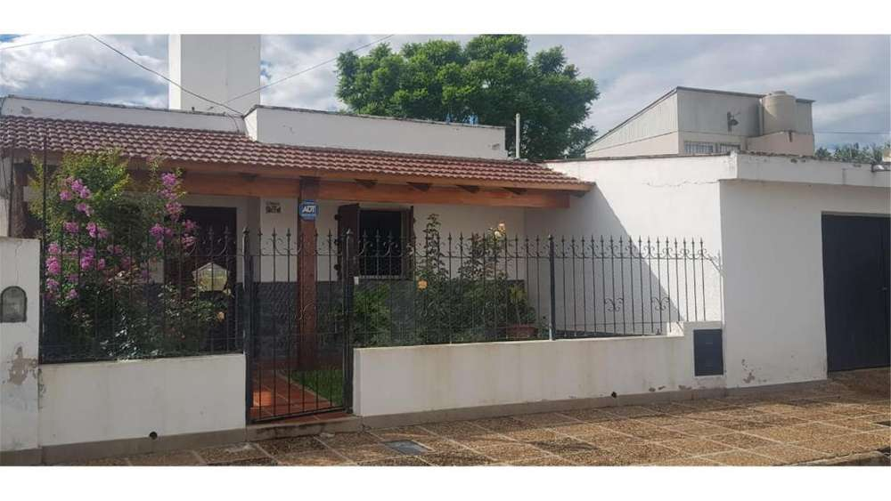 Av Gonzalez Atras Cpc Villa Libertador 1700 - UD 95.000 - Casa en Venta