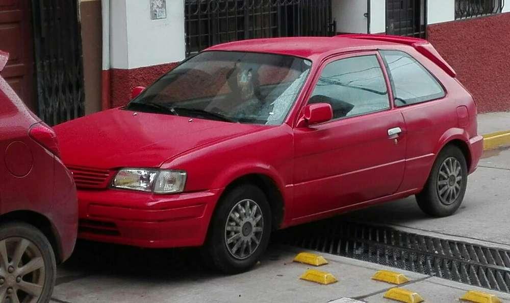 Toyota Corsa 1995 - 100000 km