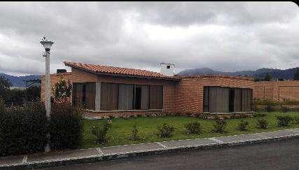 Se alquila linda <strong>casa</strong> en Condominio Campestre La Estancia!