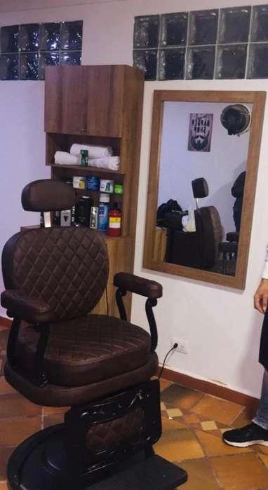 Se vende <strong>sillas</strong> Barberia muebles con puff espejo con mesa y lavacabeza