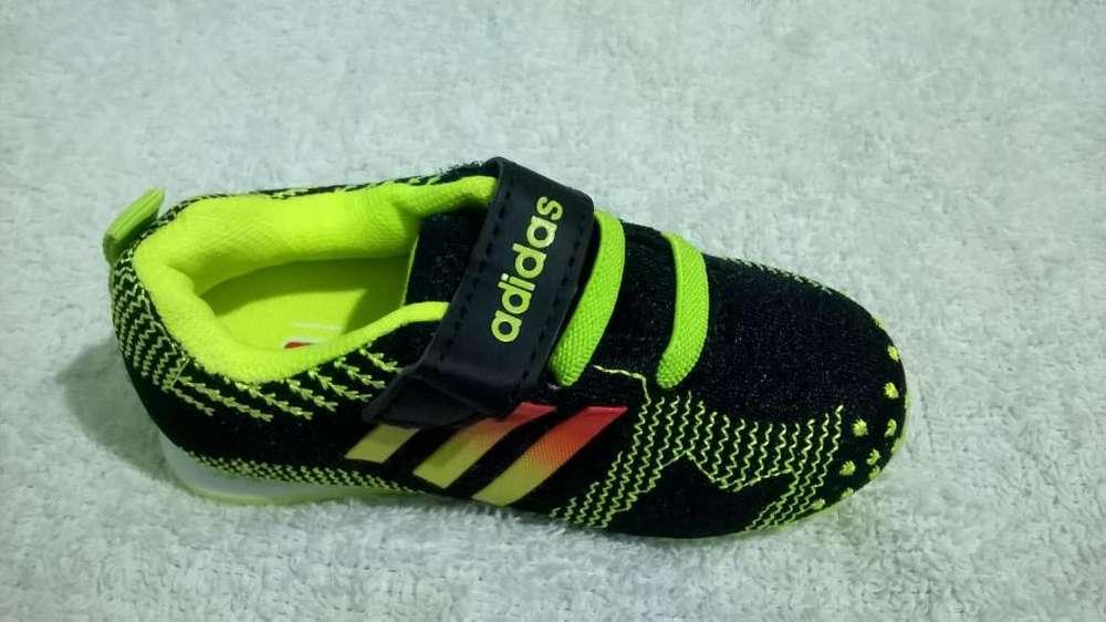 Zapatilla de Niño Adidas de Color Negro/Verde Unicas Tallas Disponibles 21 al 24 Nuevas