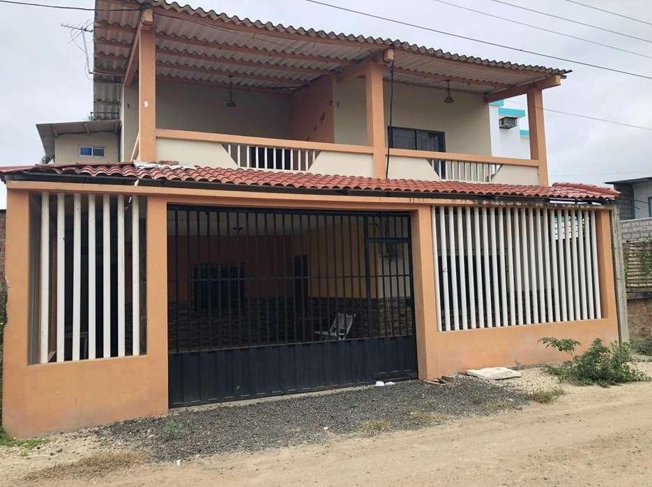 Casa en La Playa de Crucita