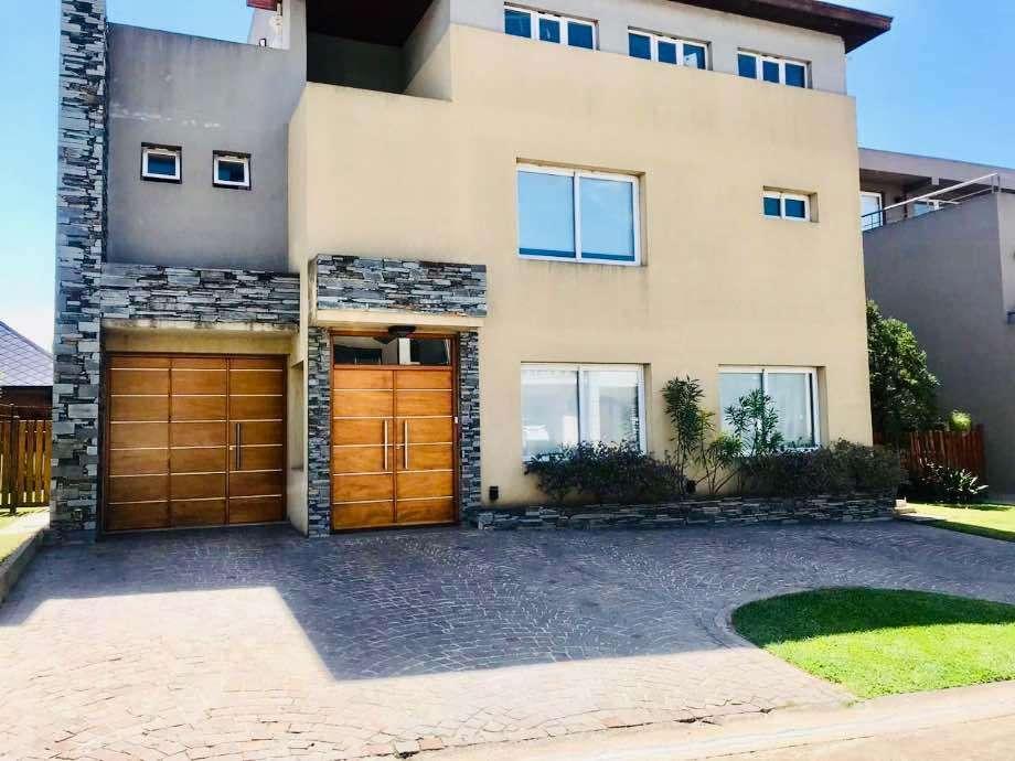 Casa en alquiler en Barrancas de Guido