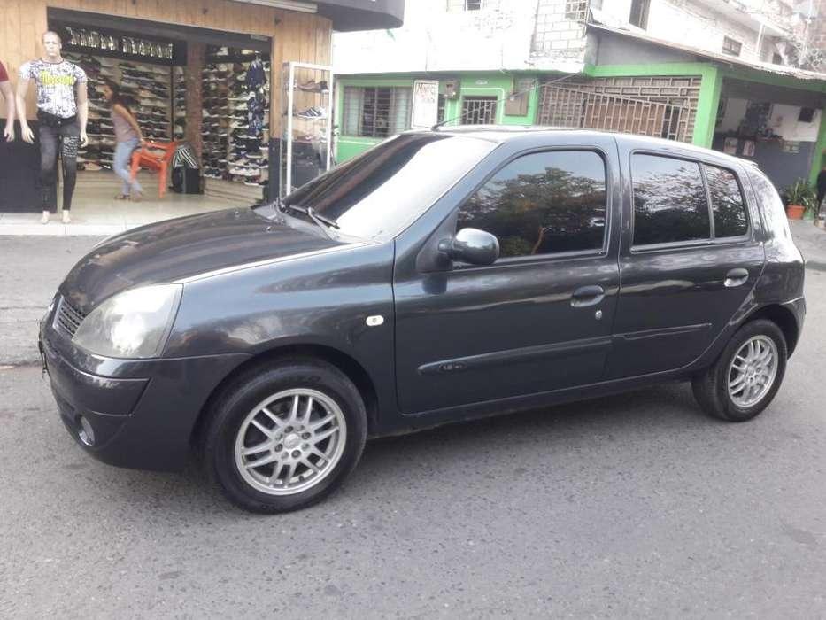 Renault Clio  2008 - 100000 km
