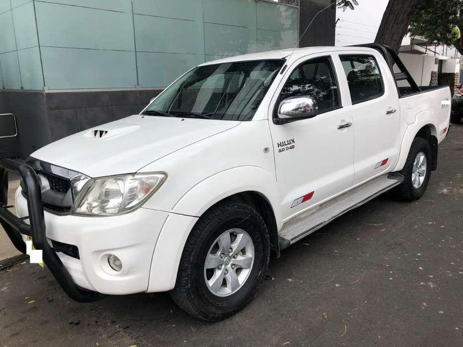 Toyota Hilux 2012 - 94000 km