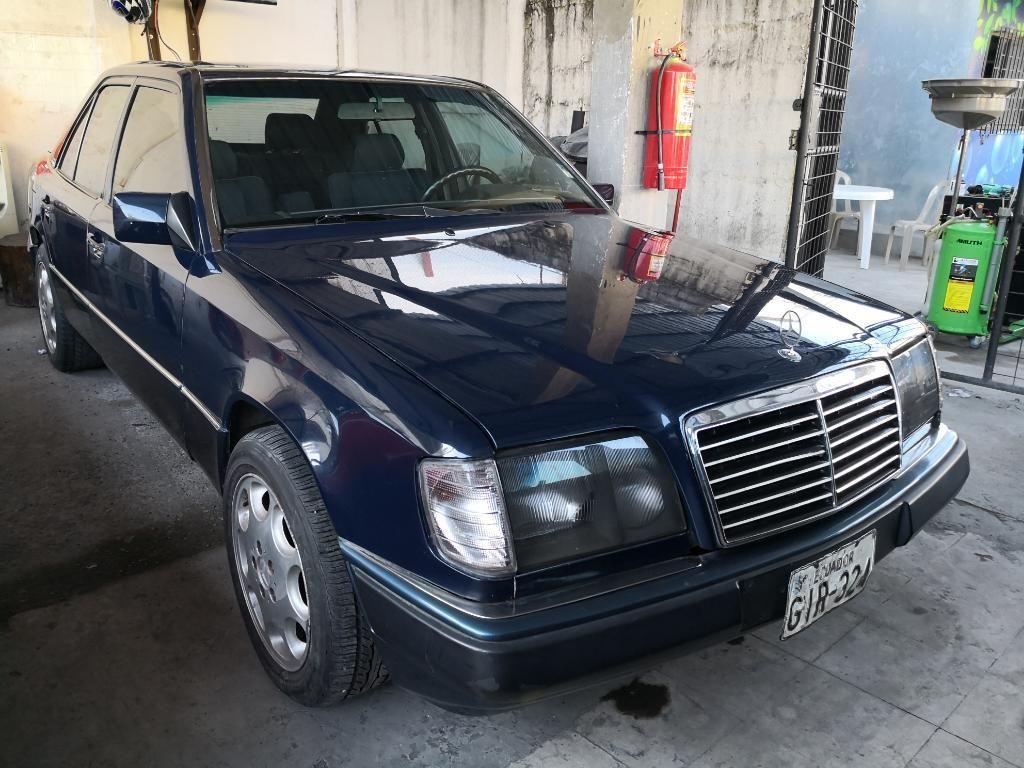 Mercedes Benz D300