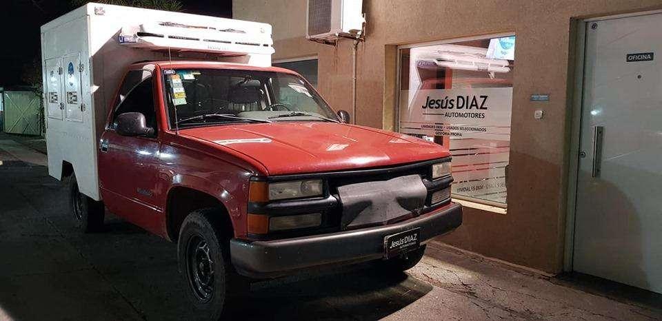 Chevrolet Silverado Mod 1998/ 4 cilindros Con Equipo De Frio