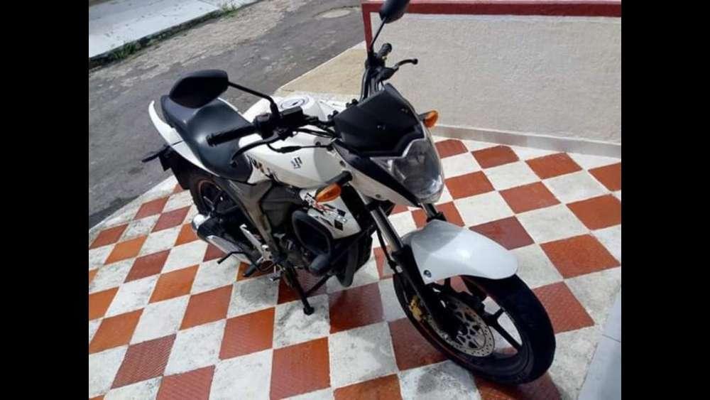 Moto Suzuki Gixxer