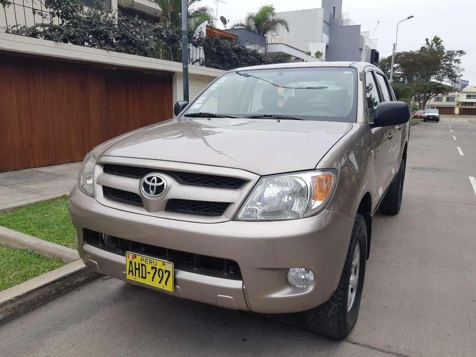 Toyota Hilux 2006 - 142000 km