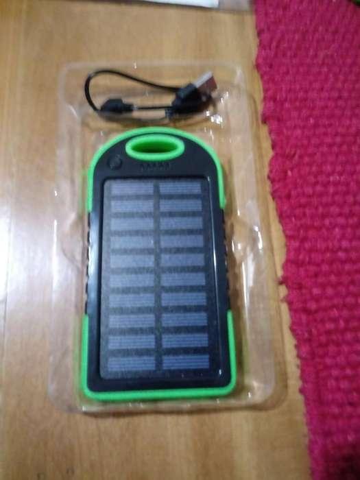 Cargador Portatil Solar Y Linterna