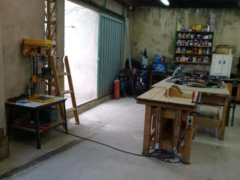 GANGA!!! Vendo maquinaria y herramientas de carpintería y ornamentación.