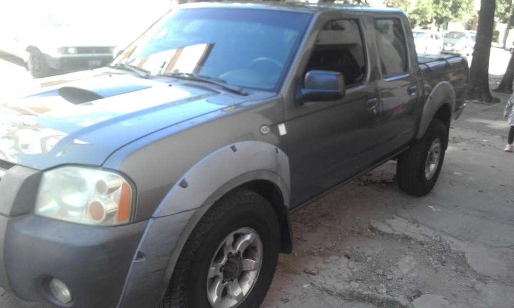 Nissan Frontier 2003 - 290000 km