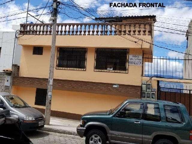 En venta atractiva casa de tres bloques en Ciudadela Hospitalaria, Conocoto, Los Chillos