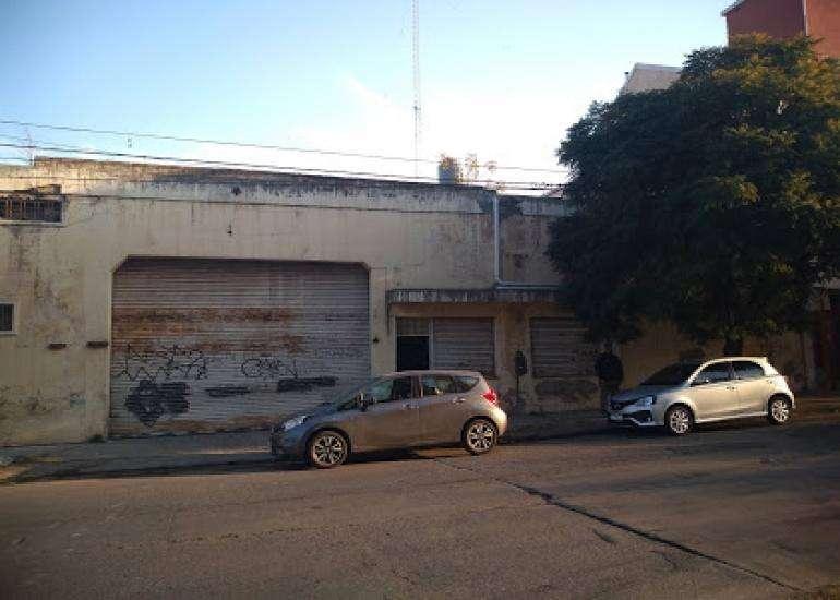 Alquilo Galpón para usos múltiples en Alberdi, Frente al Cementerio San Jerónimo