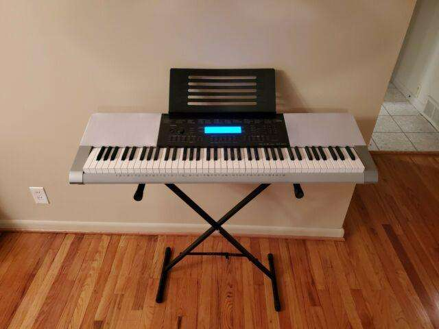 Se vende piano electrico