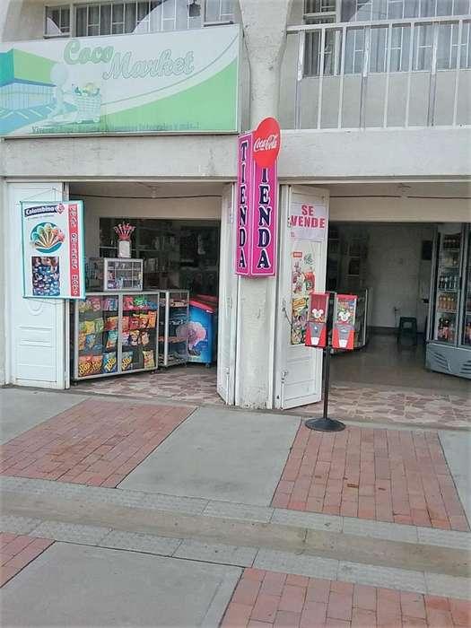 Venta tienda-heladeria frente parque de los Niños, Funza