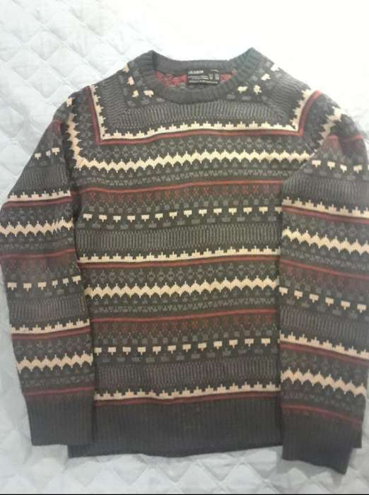 Chompa Pull And Bear Sueter