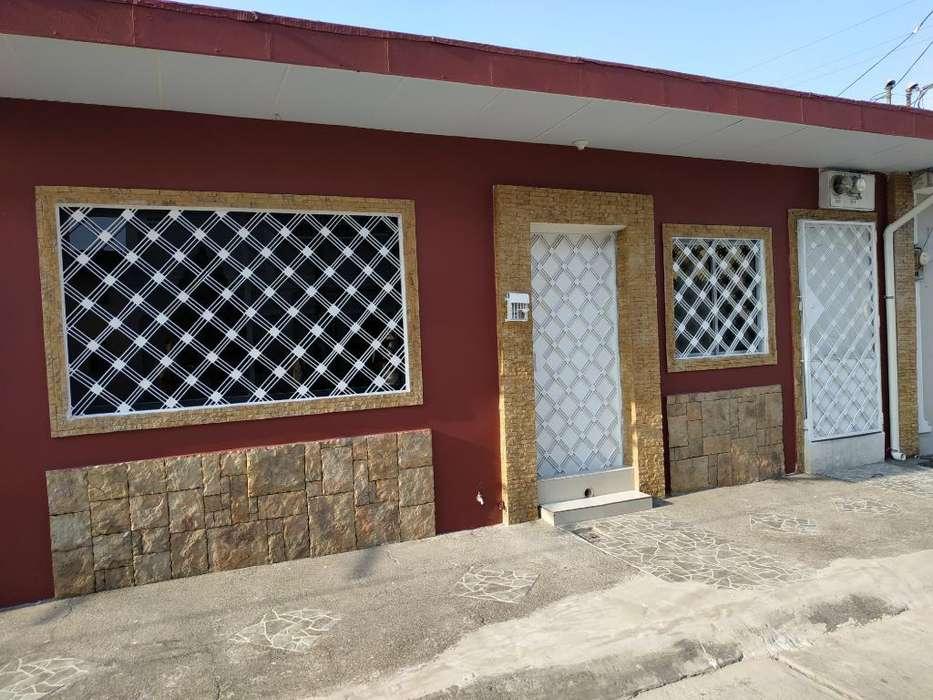 Vendo Casa Cdla Guayacánes