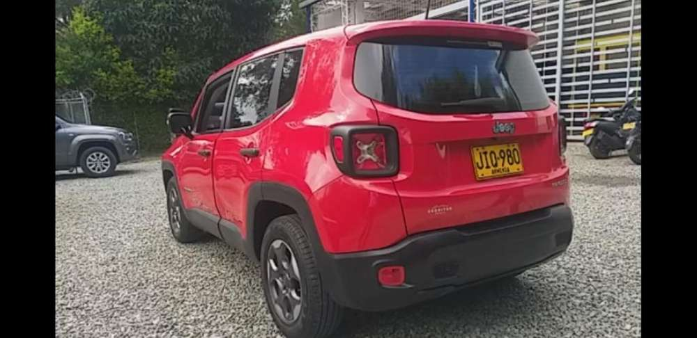 JEEP Renegade 2018 - 7900 km