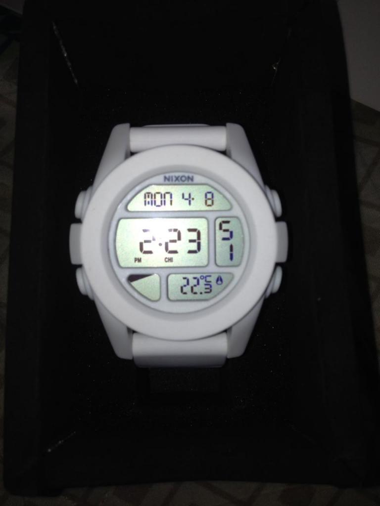 d86ea6c605c2 reloj marca nixon blanco - Medellín