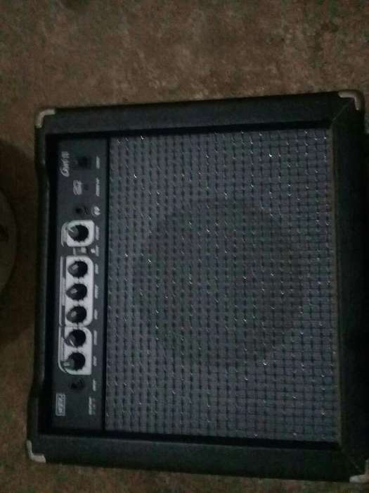 Amplificador de Guitarra 20 W