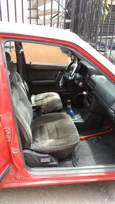 Mazda 323 1995 - 257000 km