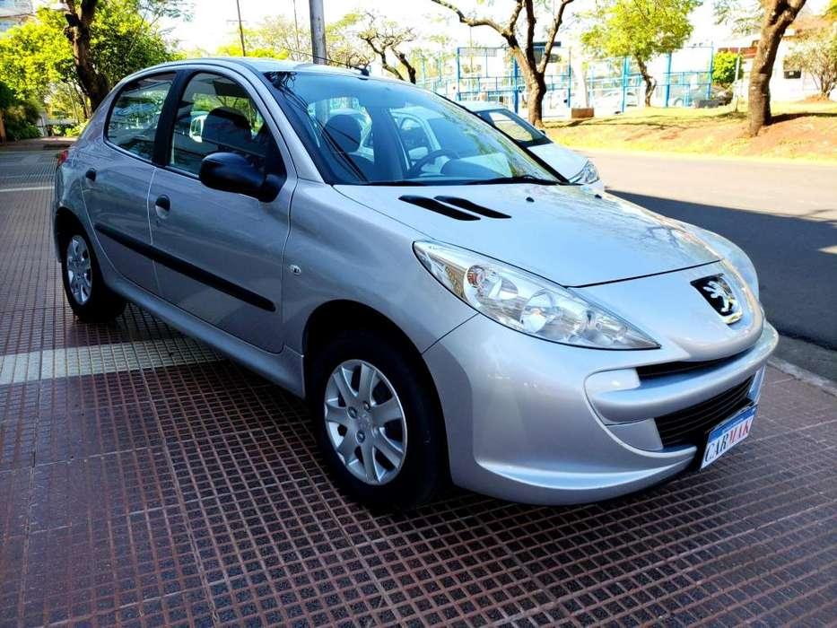 Peugeot 207 Compact 2013 - 93000 km