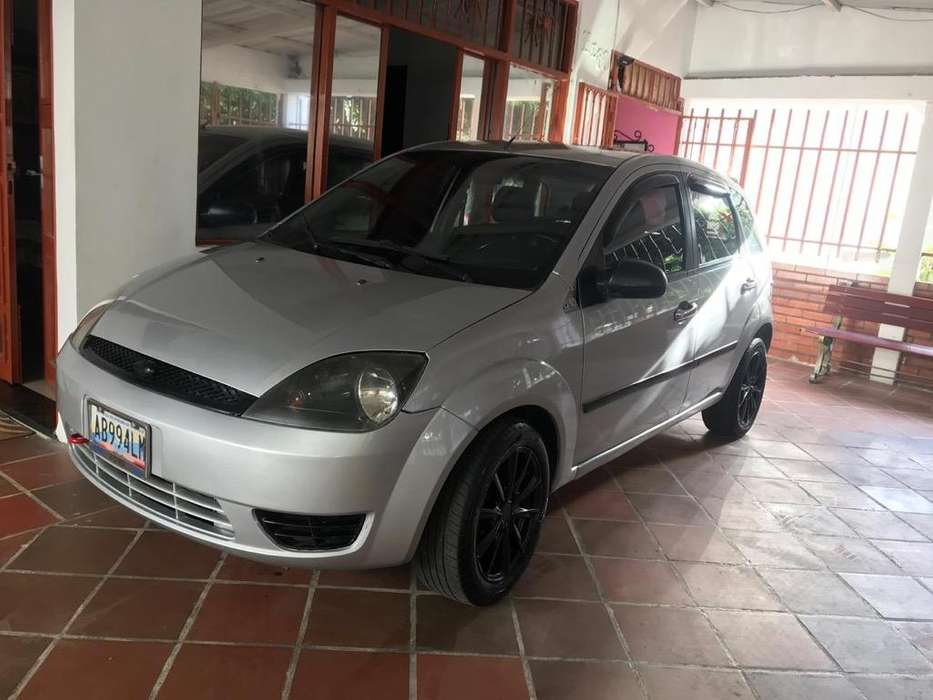 <strong>ford</strong> Fiesta  2004 - 26000 km